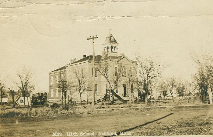 1913 photo of Ashland High School, Ashland Kansas